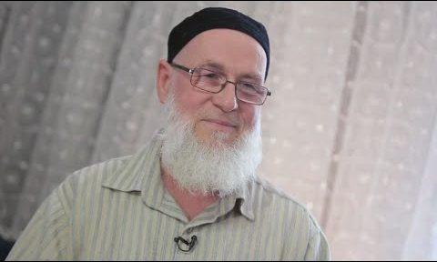 أبو هريرة مسلم إسباني من الشيوعية واليوجا إلى رحاب الإسلام