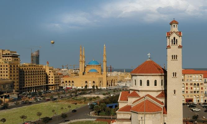 Las iglesias, sinagogas, y otros templos y lugares de oración en los que se lleva a cabo la adoración han sido históricamente protegidos por los musulmanes