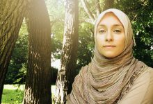 Quiso demostrar que las religiones son falsas y se hizo musulmana tras viajar a Oriente Medio