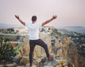 Sal Lavallo ha visitado todos los países del mundo con 27 años, durante sus viajes encontró el Islam y se hizo musulmán (Foto de instagram/sallavallo)