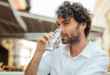 Mantenerse hidratado de una forma correcta es esencial para no tener sed en Ramadán, y para eso tenemos que mirar cuánto y cómo bebemos