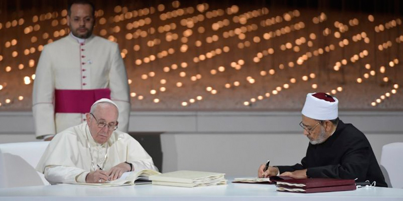 Un importante documento firmado por el Papa Francisco y Gran Imán de Al-Azhar Ahmad Al-Tayyeb Sobre la fraternidad humana por la paz mundial y la convivencia común