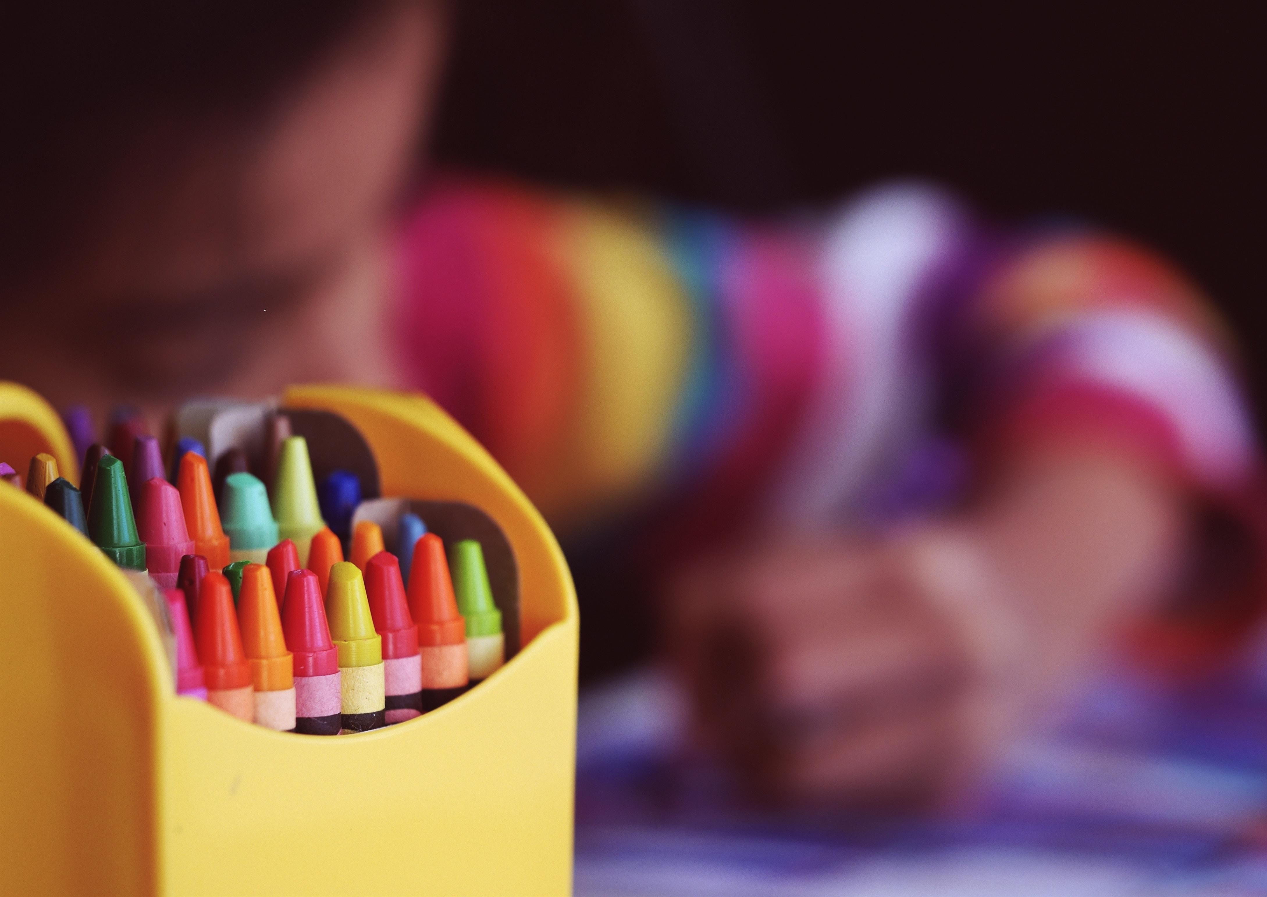Ha que conocer las diferentes etapas en el desarrollo de un niño para llevar acabo una crianza de los hijos adecuada. Estas son algunas de ellas.