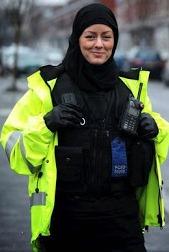 महिला पुलिस अफिसरले इस्लाम स्वीकार गरिन