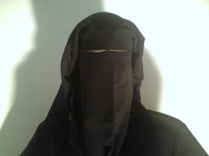 फैसलकी आमाले इस्लाम कबुल गरिन