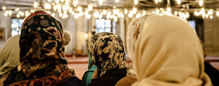 Locul femeilor în moschee: Prea multe restricții?