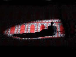 நபி (ஸல்) அவர்கள் கூறினார்கள்: அல்லாஹ்விடம் பாவ மன்னிப்பு கேளுங்கள்; அவன் பால் திரும்புங்கள்; என்னைப் பாருங்கள்! நான் ஒரு நாளைக்கு நூறு தடவை பாவ மன்னிப்பு கோரி இறைஞ்சுகிறேன்.
