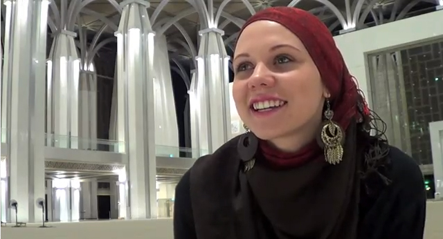 Watch this video to see how sister Victoria found inner peace in Islam.