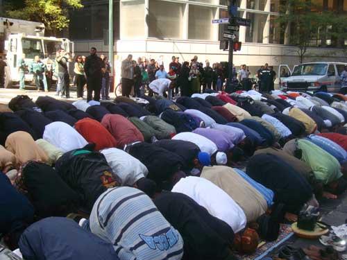 Muslims pray in New York