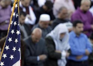 American Muslims praying