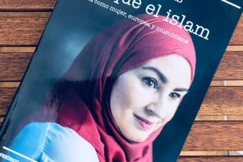 The Journalist and Writer Amanda Figueras Shares Experience of Being Spanish Muslim Woman